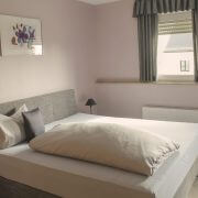 Doppelbett im Hotel Schatulle aus Laufersweiler