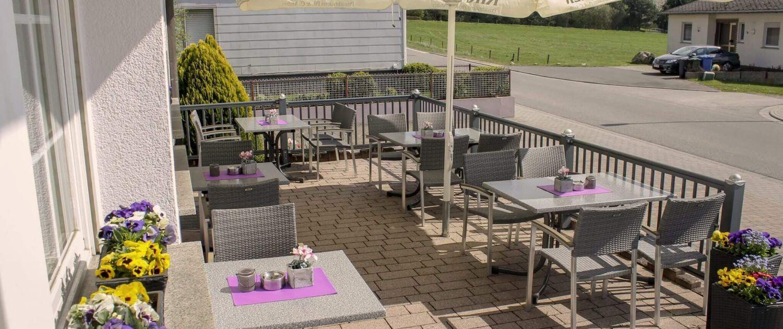 Die gemütliche Terrasse vom dem Hotel & Restaurant Schatulle aus Laufersweiler